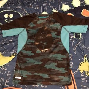 Jumping Beans Boy's Size 5/6 Top